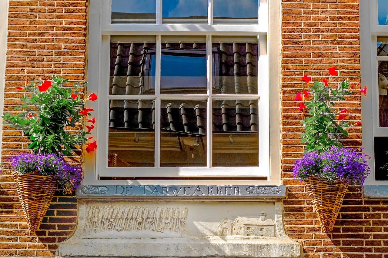 Comment entretenir des fenêtres en bois ?